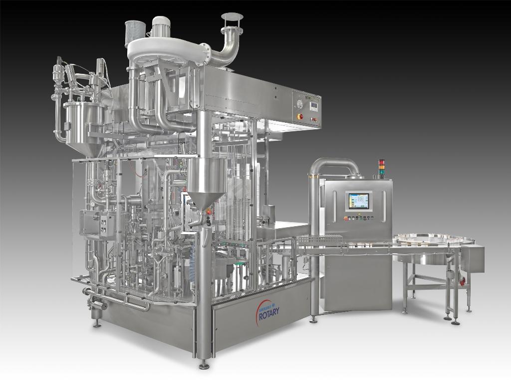 Die Rundläuferabfüllanlage, in der mehrere Abfülltechniken kombiniert und integriert sind, wurde erstmals auf der Anuga FoodTec 2015 vorgestellt.