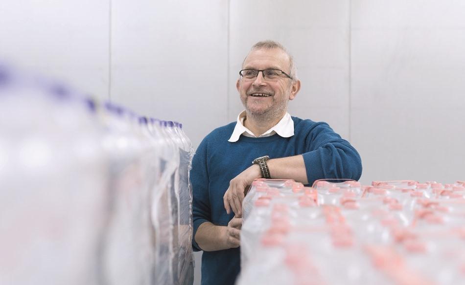 Karl-Heinz Klumpe, Product Manager Packaging, ist nicht nur einer der ältesten noch aktiven Mitarbeiter, er ist auch einer der Köpfe hinter den aktuellen Verpackungsanlagen aus Kleve. (Bild: KHS)