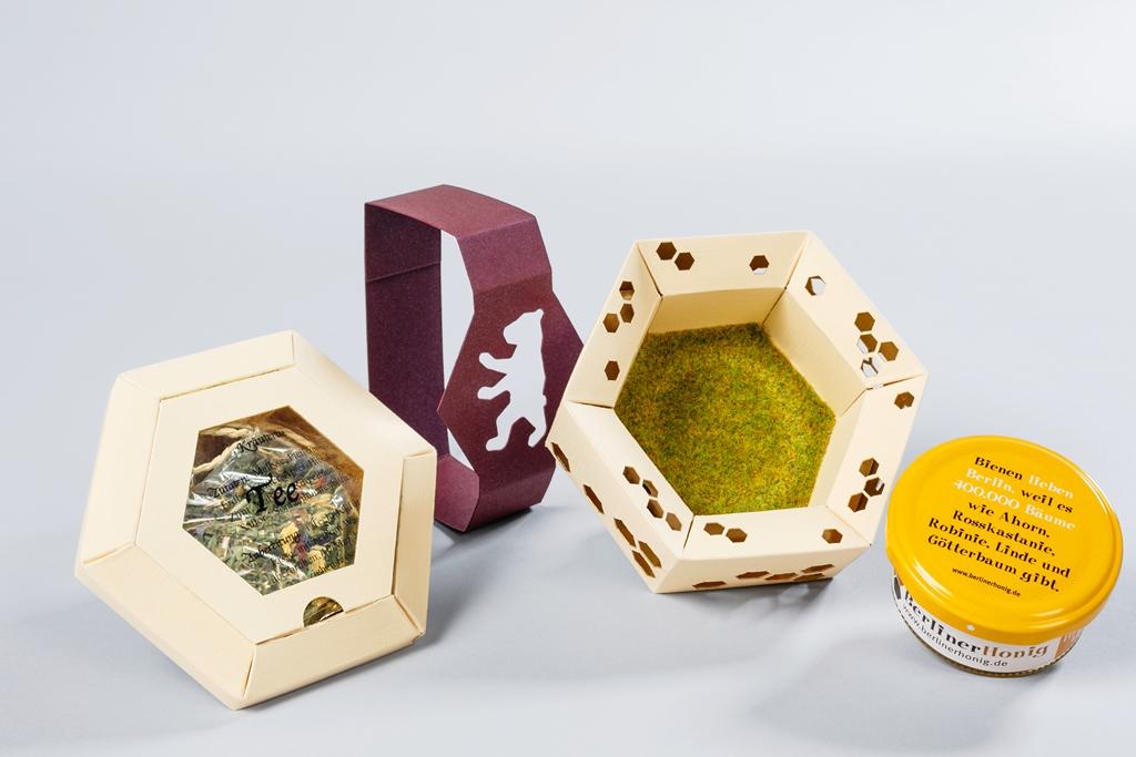 Honiggeschenkverpackung Einsender, Gestalter/Entwickler und Hersteller: Hanne Brüning & Tizia Geske