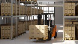Das Unternehmen verfügt über umfangreiche Lagerkapazitäten. Hier lagern z. B. die wichtigen Kundendokumente in Archivboxen (Bild: Naatz)