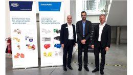 (von links nach rechts): Klaus Zeiler (KraussMaffei), Marco Roth (Roth Werkzeugbau) und Thorsten Just (Netstal Deutschland) beim Roth Packaging Day