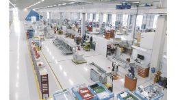 Für die Zukunft gut gerüstet: Die neue Halle bietet mit 10.700 Quadratmetern für Wareneingang, Lager, Vormontage und Montage ausreichend Kapazitäten für das anvisierte Wachstum bis 2030.