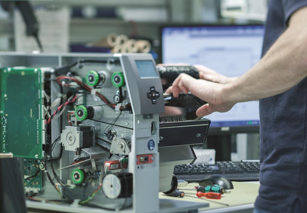 Vor der Auslieferung werden die Drucker auf ihre volle Funktionsfähigkeit überprüft – hier das Modell XD4T.
