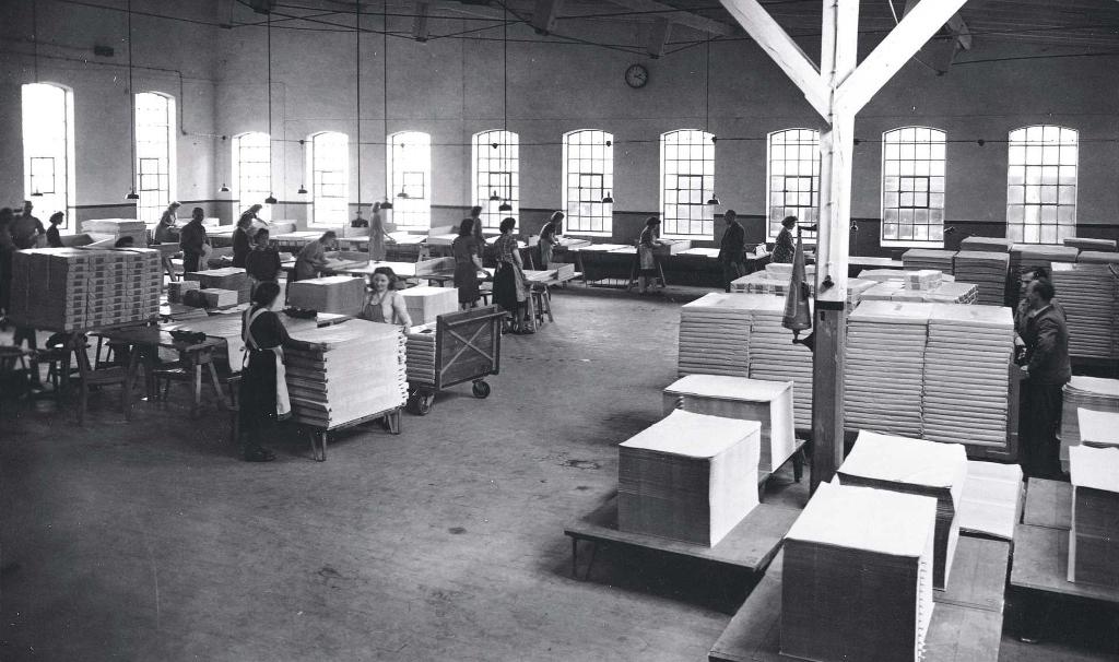TU Feldmuehle 1950 Sortiersaal Frauen