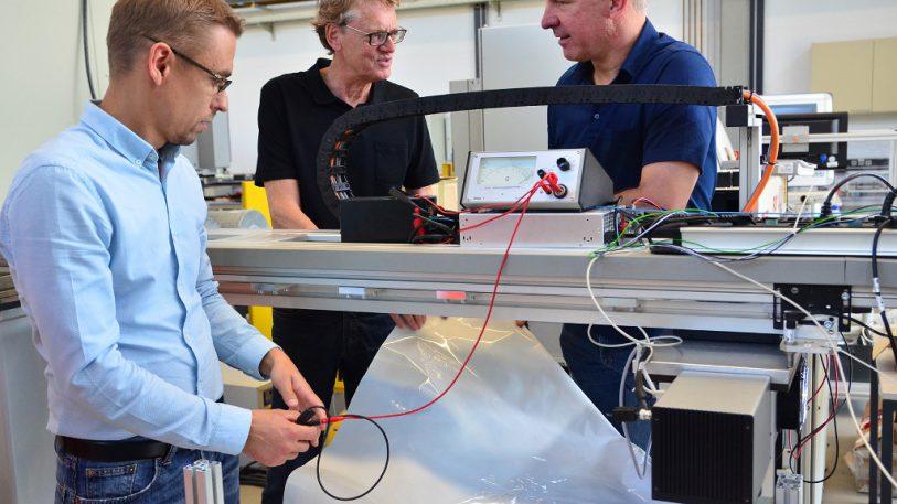 Prototyp für die Herstellung ableitfähiger Mulitlayer-Folien für Schüttgut