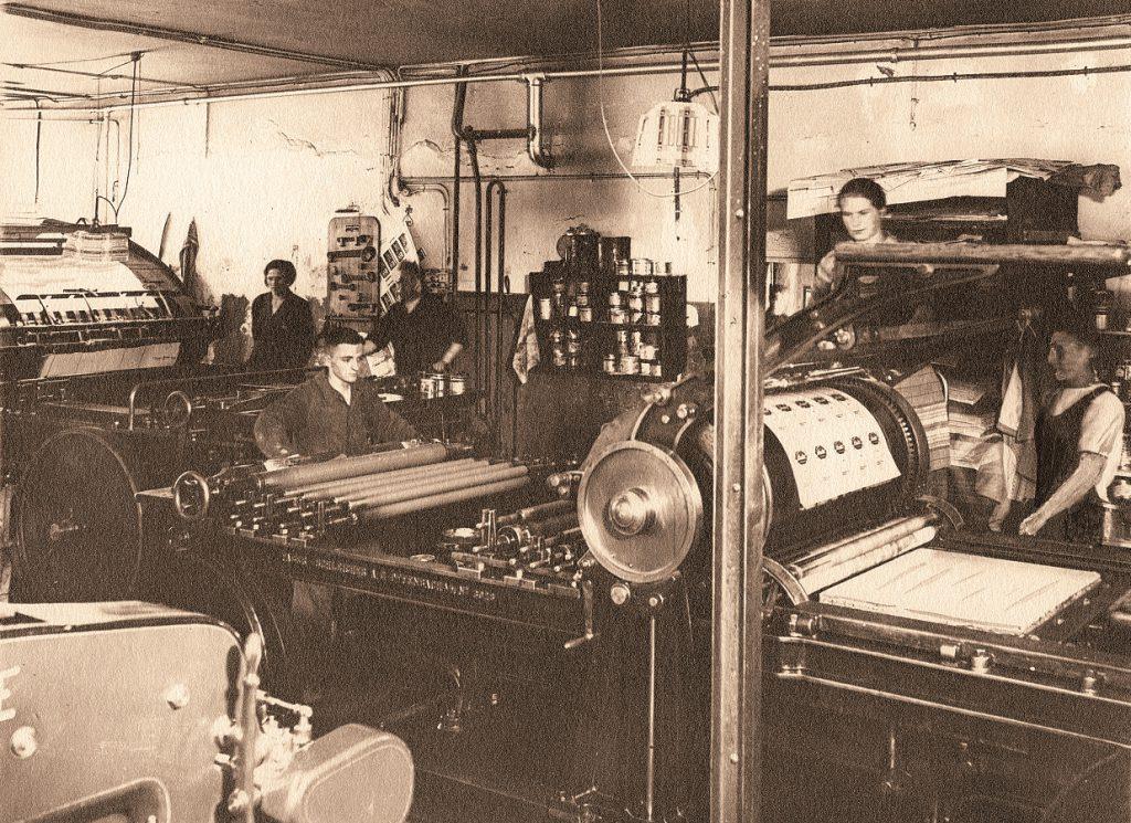 Schon nach kurzer Zeit herrschte drangvolle Enge in der Druckerei.