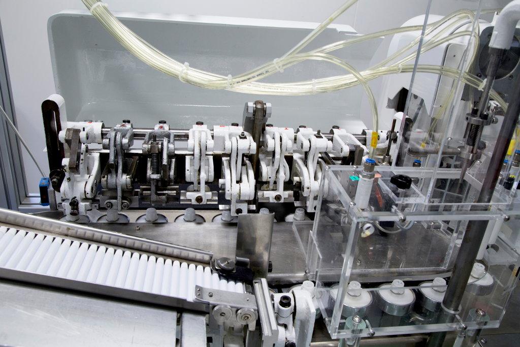 Tubenfüller: Falzwerkzeug für den Sattelfalz