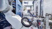 Knickarmroboter bei der Schneider Kunststofftechnik GmbH
