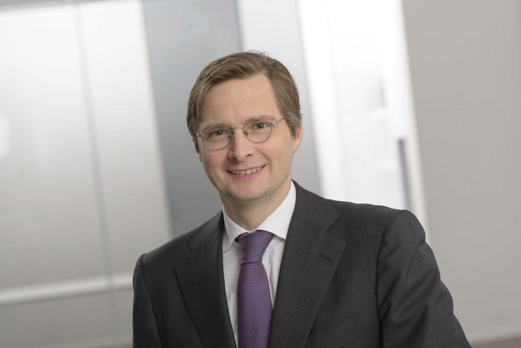 Dr. Henrik Follmann