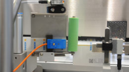 Die HERMA Tamper-Evident-Module können alle gängigen Positionierungen entsprechender Etiketten auf Faltschachteln abdecken.