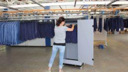 Fast-Fashion-Container von Walther Faltsysteme für hängend aufbewahrte Kleidungsstücke