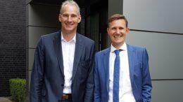 Frank Rieker (l.) und Thomas Rose, Geschäftsführer der Deriba Group