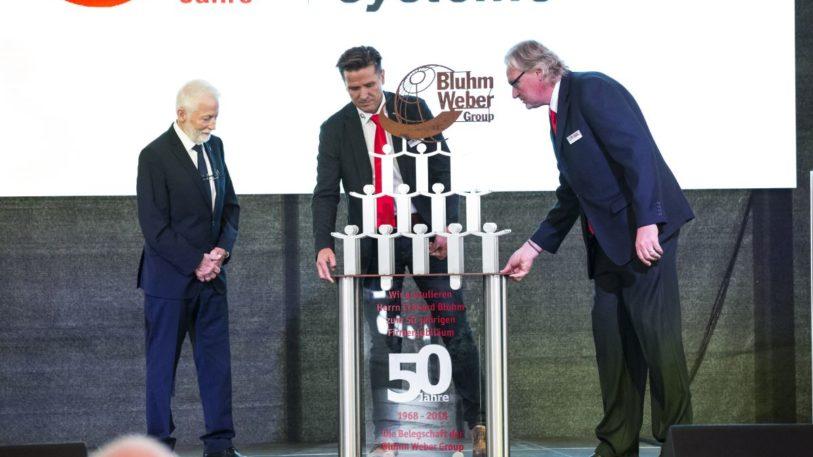 Eine Skulptur zum Jubiläum erhielt Eckhard Bluhm zum Jubiläum