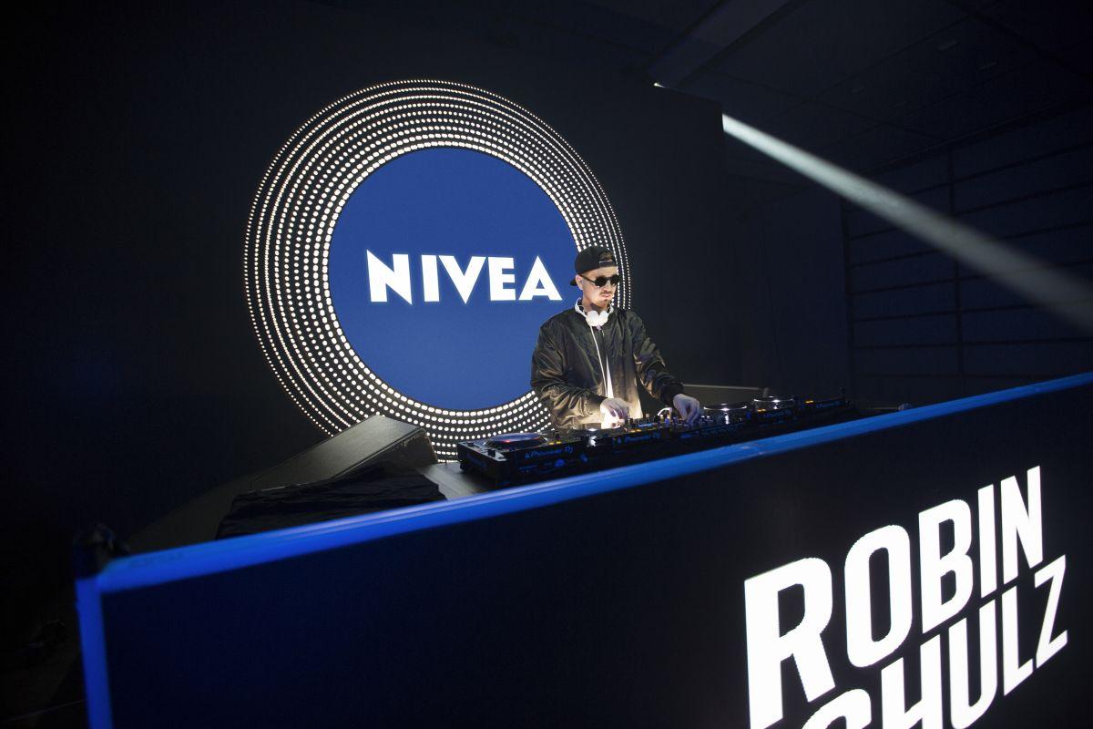 DJ Robin Schulz wirbt für Nivea