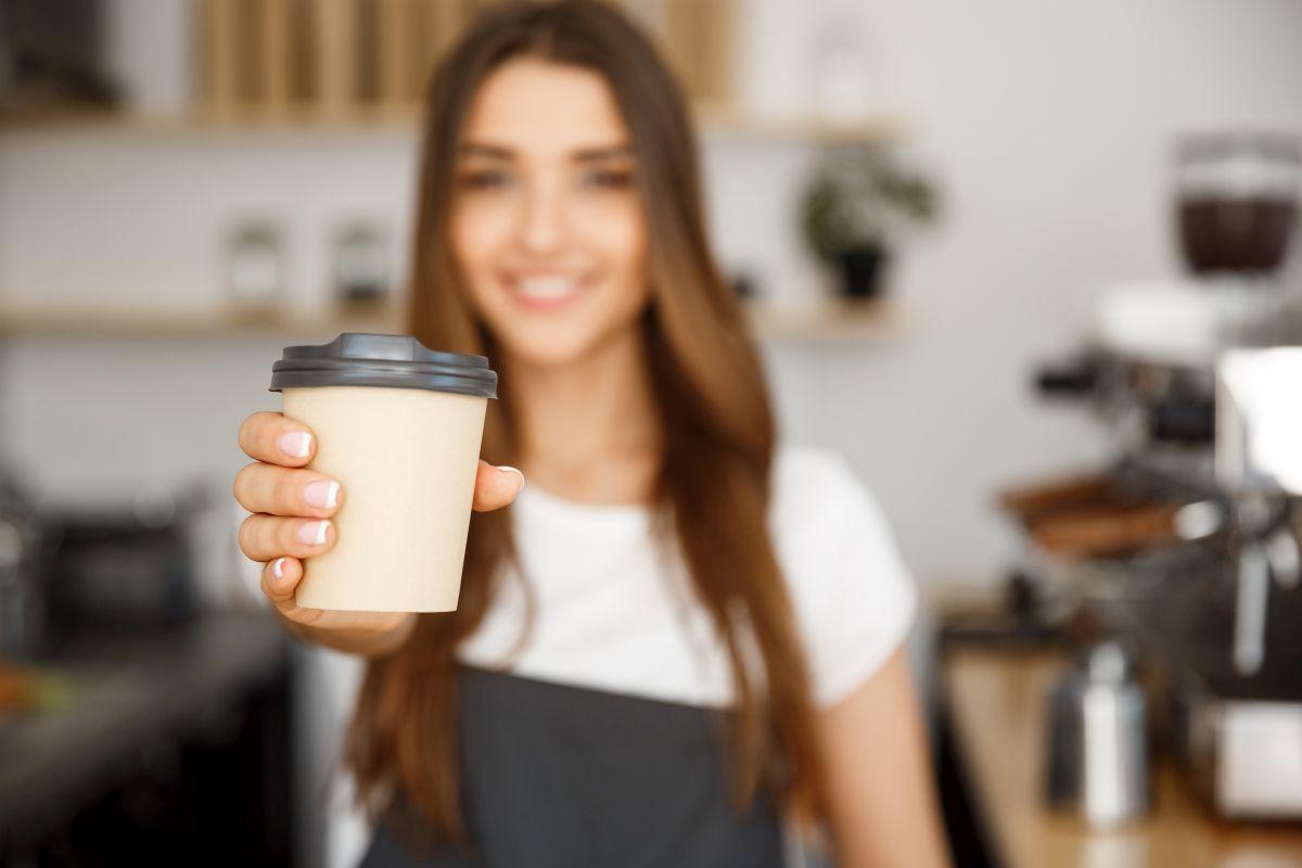 Mit den Produkten der Hoerauf-Maschinenfabrik werden unter anderem Coffee-to-go-Becher produziert