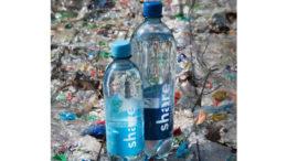 Erste PET-Flasche von share aus 100 Prozent Rezyklat