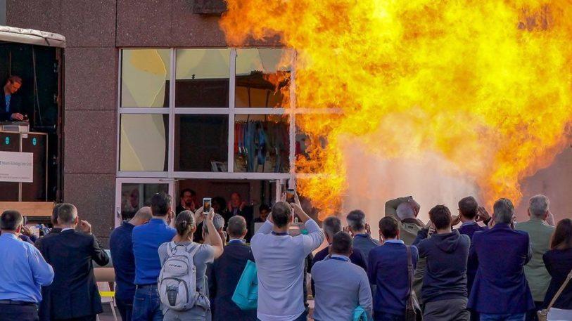 Live-Explosionen auf der SOLIDS und Recycling-Technik 2018 in Dortmund
