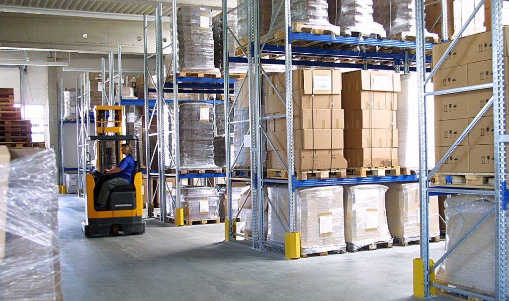 Ein automatisiertes Bestellmanagement hilft dabei, den Lagerplatzbedarf erheblich zu senken, und reduziert die administrativen Bestellprozesse auf ein Minimum. (Bild: Antalis Verpackungen GmbH)