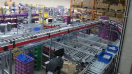 Blick ins Automatische Kleinteilelager (Bild: DEW)