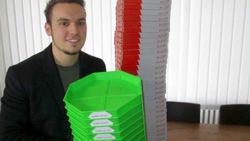 Hendrik Single mit PizzaBows (Bild: Ulrich Klose)