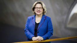 Bundesumweltministerin Svenja Schulze (Bild: BMU/ Thomas Trutschel)