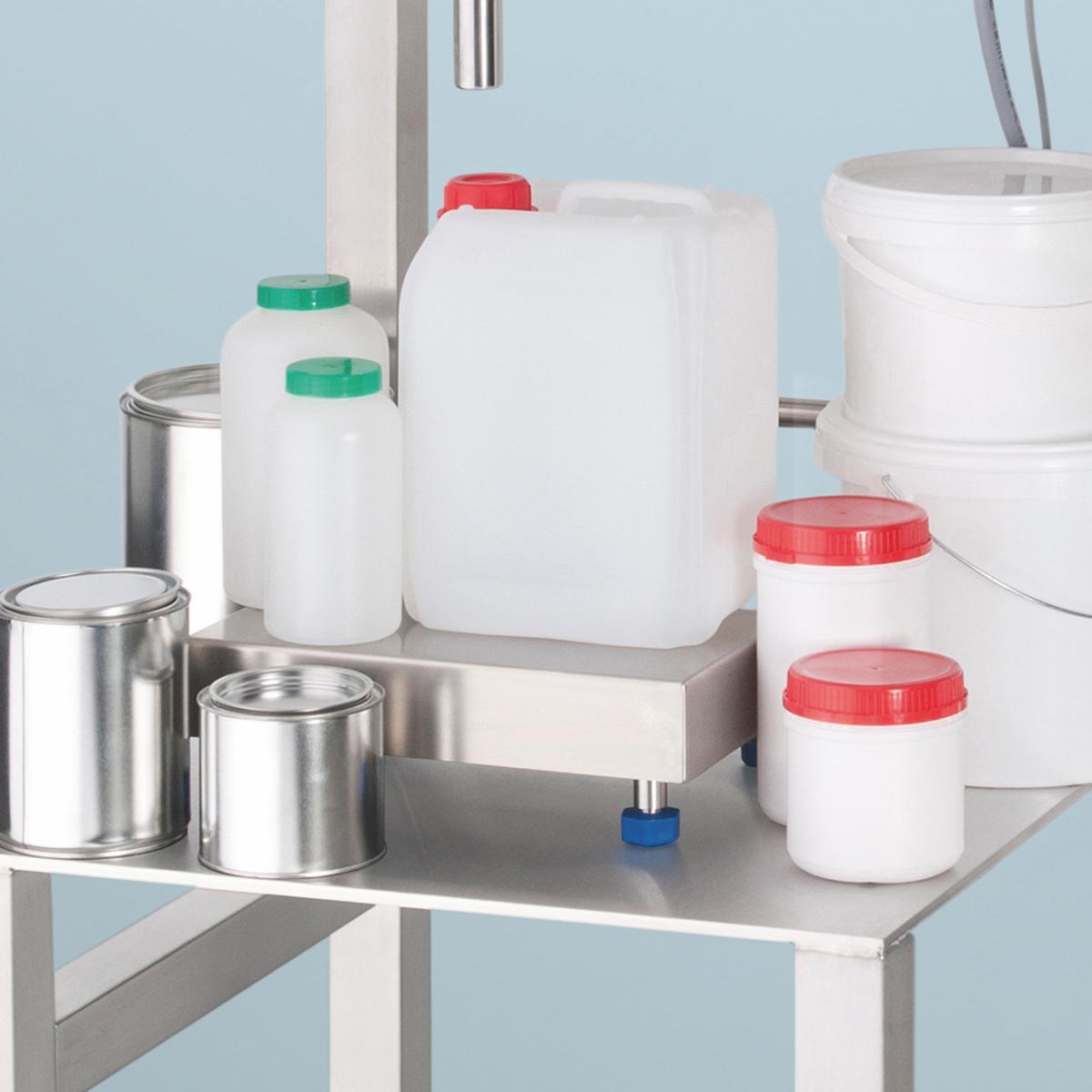 Abgefüllt werden kann in Flaschen, Gläser, Dosen, Eimer, Kanister oder Hobbocks. (Bild: FLUX-Geräte GmbH)