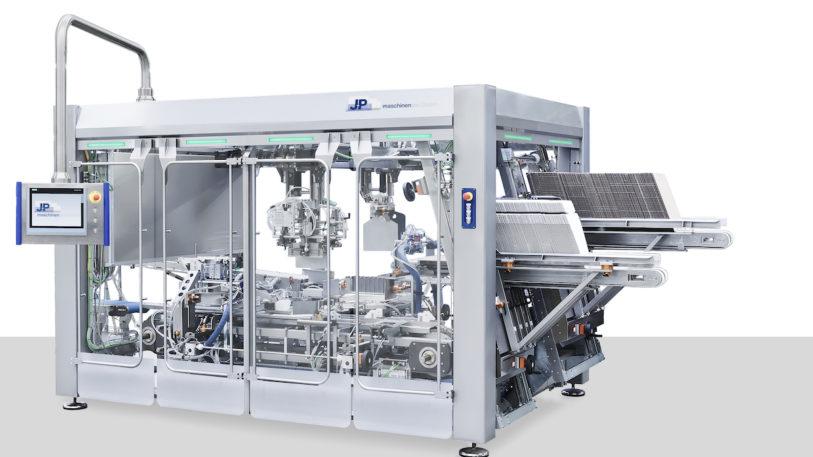 Kompakte End-Verpackungsmaschine KWH-DT (Bild: J+P Maschinenbau GmbH)