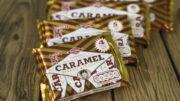 Die Caramel Wafer Biscuits werden automatisch in Multipacks aus vier, fünf, sechs oder acht Produkten gruppiert. (Bild: BOSCH Packaging Technology)