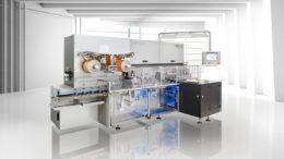 Moderne Tafelpackmaschinen bieten eine hohe Flexibilität, Produktsicherheit, Verfügbarkeit und eine Leistung von bis zu 215 Tafeln pro Minute. (Bild: Loesch Verpackungstechnik GmbH)