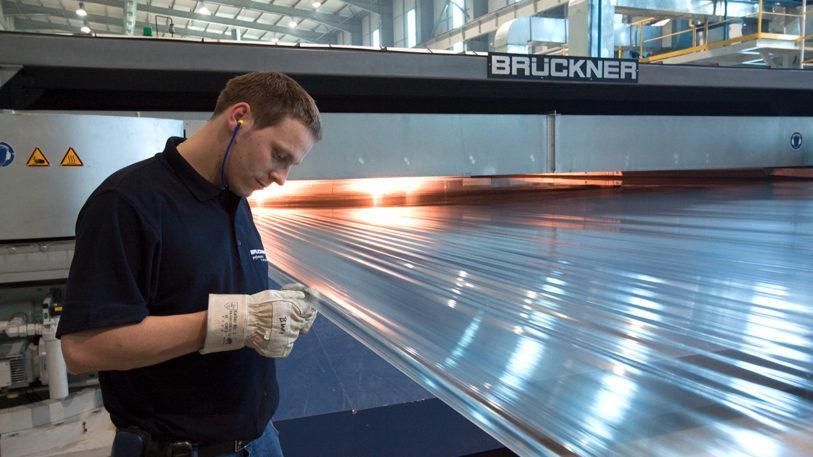 """Die Brückner Servtec GmbH präsentiert ihre neuen digitalen Lösungen """"Brückner ONE"""" für die Folienproduktion. (Bild: Brückner Servtec GmbH)"""