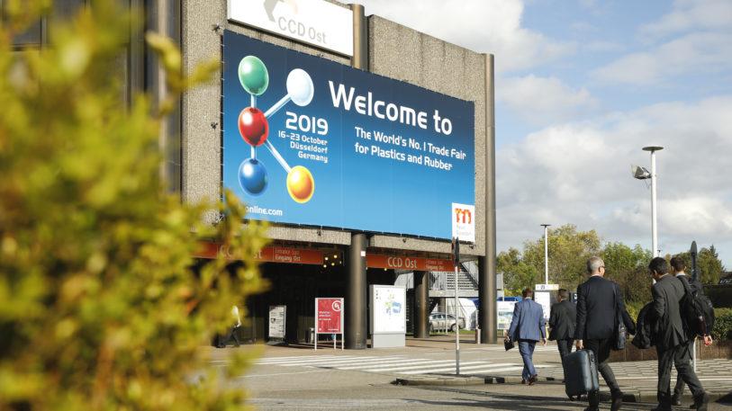 Ihr komplettes Leistungsspektrum und die ganze Vielfalt innovativer Anwendungen präsentiert die Kunststoff- und Kautschukbranche auf ihrer weltweit wichtigsten Messe, der K 2019. (Bild: Messe Düsseldorf / ctillmann)