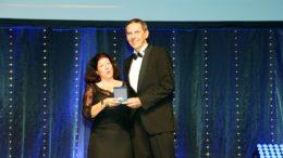 Christine und Michael Koch bei der Verleihung der Premier-Ehrenplakette (Bild: Boris Löffert, Quelle: Oskar-Patzelt-Stiftung)