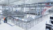 Herzstück der vier KHS-Linien im Heineken México-Werk ist jeweils der Flaschenfüller Innofill Glass DRS mit einer Leistung von bis zu 80.000 Flaschen pro Stunde. (Bild: KHS Gruppe)