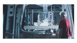 Schur Flexibles bietet leistungsstarke Folien, die recycelbar und besonders materialsparend sind, auf nachwachsenden Ressourcen basieren und herkömmliche Folien problemlos ersetzen. (Bild: Schur Flexibles Group)