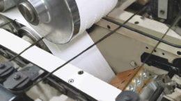 EcoStitch-Punkte sorgen für mehr Klebefläche, bei gleichzeitig geringerem Klebstoffauftrag. (Bild: Valco Melton)