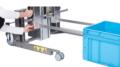 Die Flex-Gabel und der Flex-Doppeldorn von Hovmand sind dank Schlittenkonstruktion an unterschiedliche Kisten- und Rollengrößen anpassbar. (Bild: Hovmand)