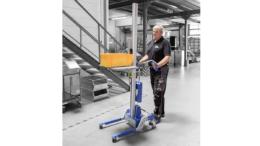 Heben, Senken, Holen, Bringen, Positionieren: Für intralogistische Anwendungen wurden die hochflexiblen Flurförderzeuge der Baureihe lift2move entwickelt. (Bild: Expresso)