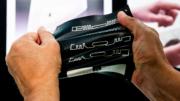 : Gedruckte elektronische Komponenten sind extrem dünn und flexibel. (Bild: Messe München GmbH)