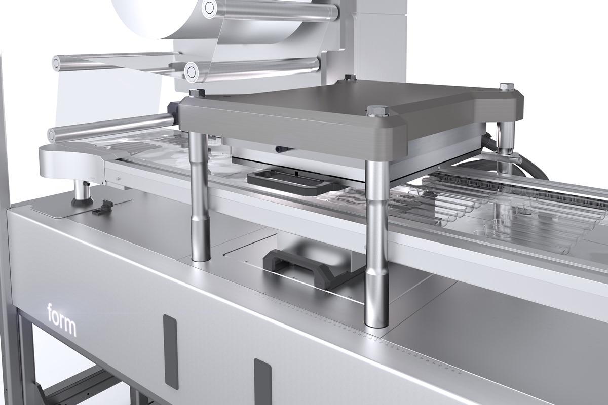 Die Heiz- und Formstation der KBS-C medplus mit Smart Heating für perfektes Steuern der Materialstärke und Smart Forming für optimiertes Formen der Blister.