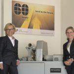 Geschäftsführerin Beate Beck-Deharde mit Julia Deharde