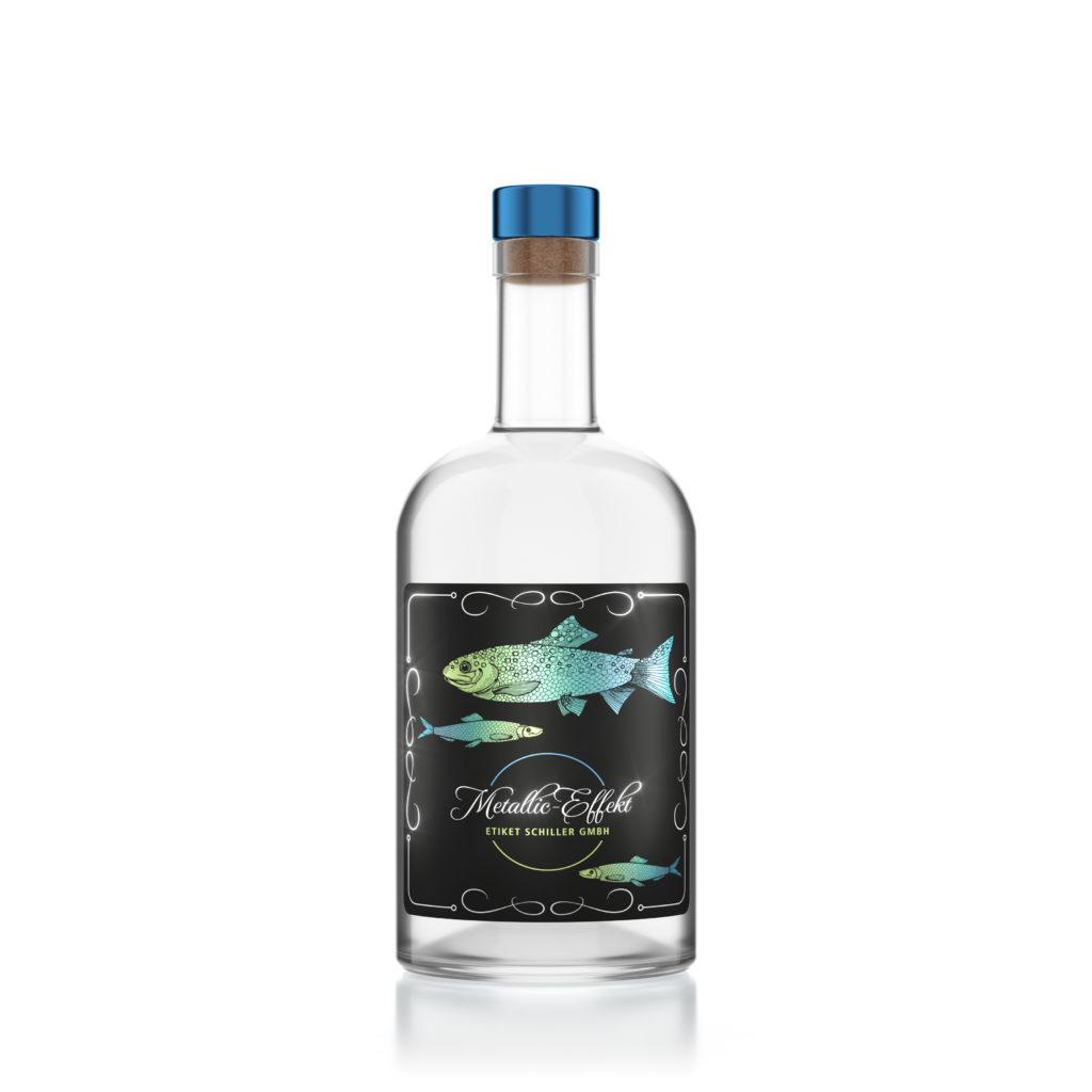 Transparente Glasflasche mit Metallic Etikett mit Fischdesign