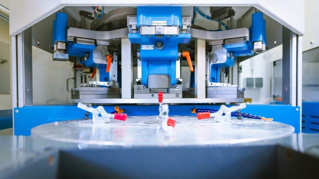 Mit der Tampoprint Concentra 90-4 können bis zu vier Farben mit einer maximalen Druckbildgröße von 90 Millimetern gedruckt werden.