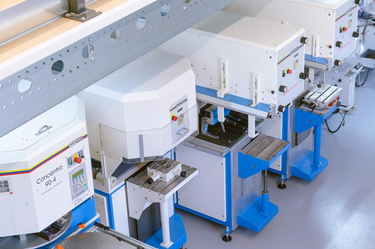 Der Maschinenpark in Heilbronn. Mit den Maschinen können eine bis vier Farben gedruckt werden.