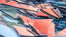 Bunte Glasscherben als Post Consumer Recycling-Glas