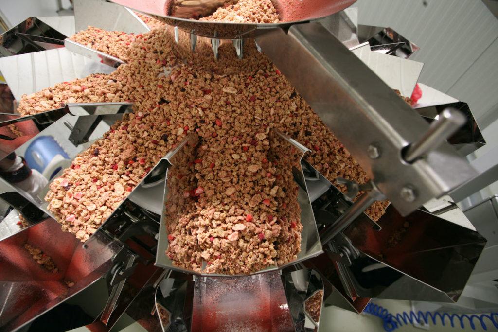 Alles im Fluss: Die Cerealien werden gleichmäßig zu den Schalen befördert.