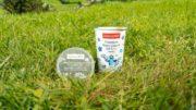 Joghurtbecher mit wiederverwendbarem Deckel von Greiner