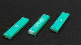 drei schokoriegel verpackt mit Saugsiegel-Technologie von theegarten pactec
