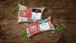 zwei Flowpacks für Hackfleisch von Feneberg