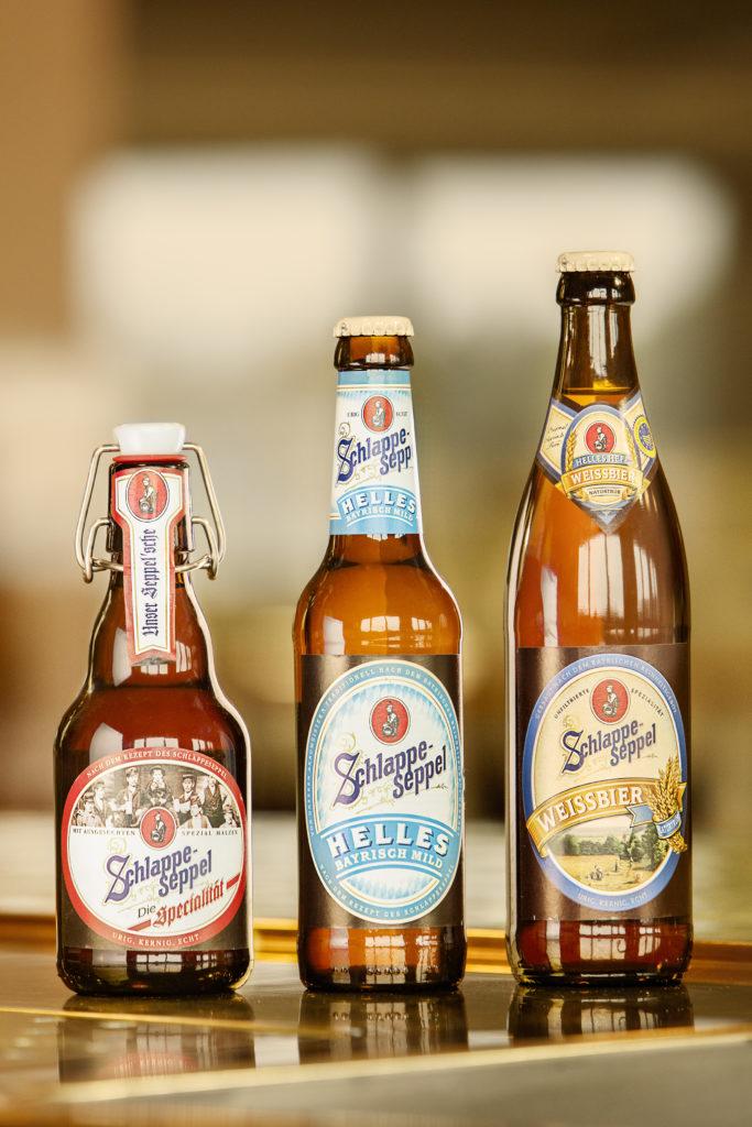 Drei Bierflaschen der Brauerei Eder & Heylands