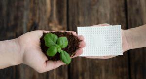 Absorber von Padeco und kompostierbare Folie von Bio-Fed